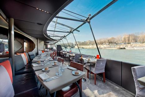 Photo Credit :  bateauxparisiens.com