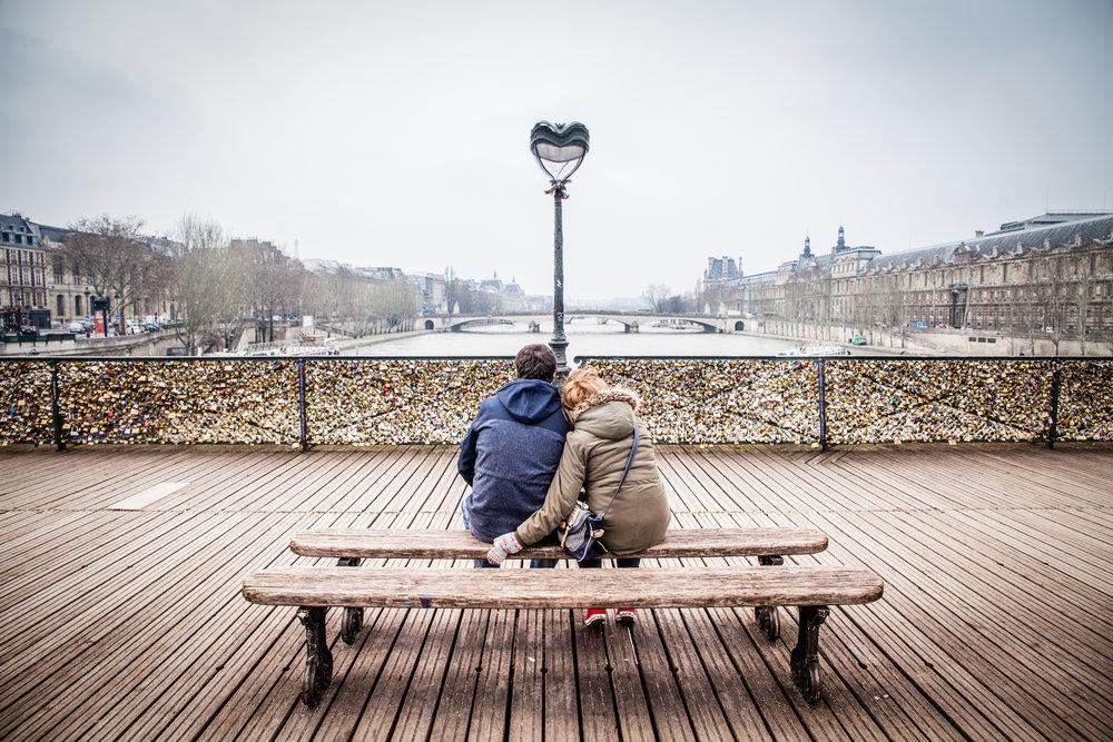 Pont_des_Arts,_Paris_21_March_2013.jpg