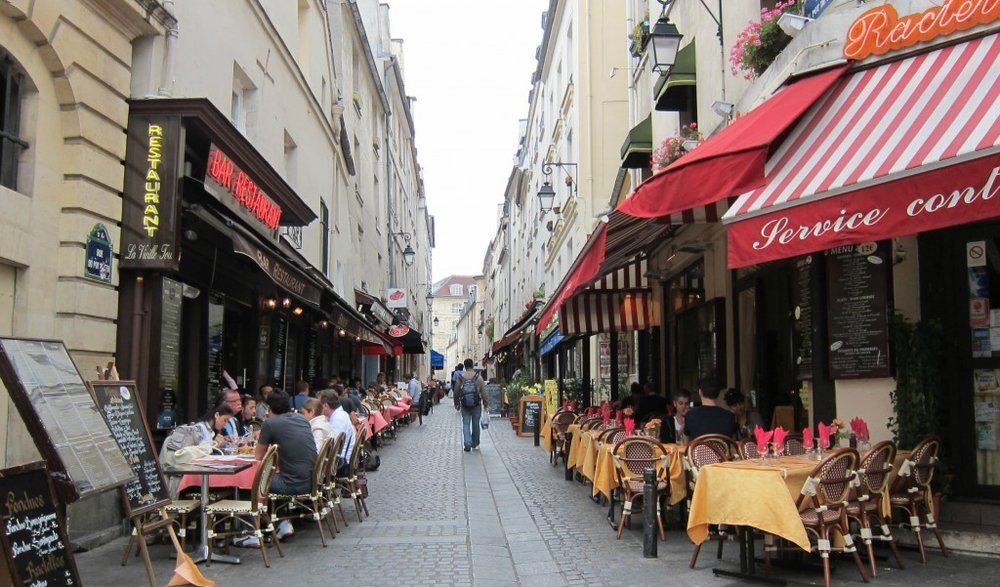Rue Mouffetard near Place Monge, Photo Credit: travolution.com