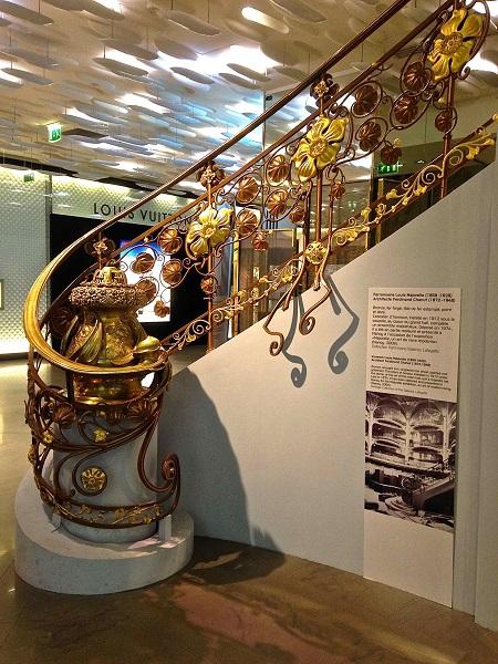 拉法葉百貨的建築特色 - 特色樓梯