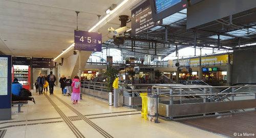 巴黎行李存放 - MARNE-LA-VALLÉECHESSY 站