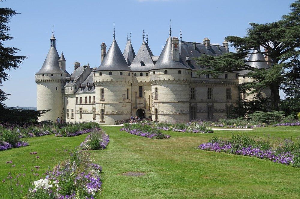 castle-2191740_1280.jpg