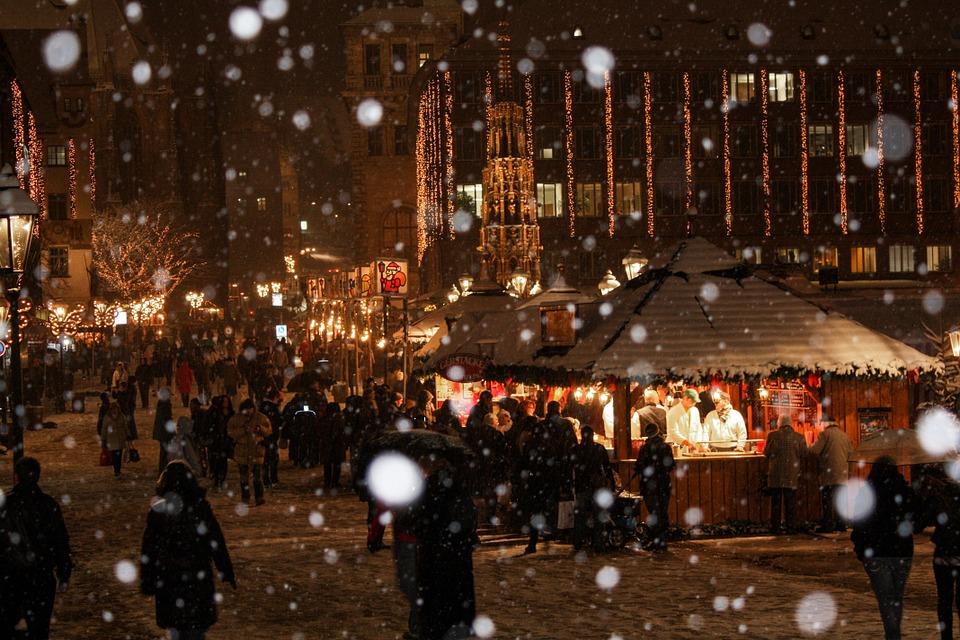 christmas-market-538215_960_720.jpg