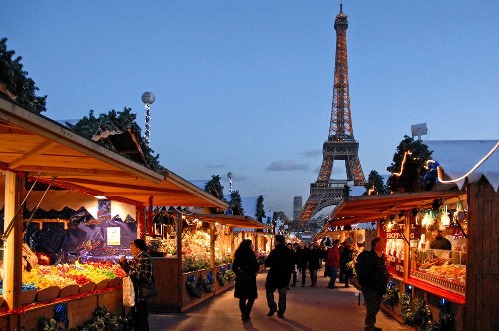 Le_marché_de_Noël_européen_au_Trocadéro_(Paris)_(4175210166).jpg