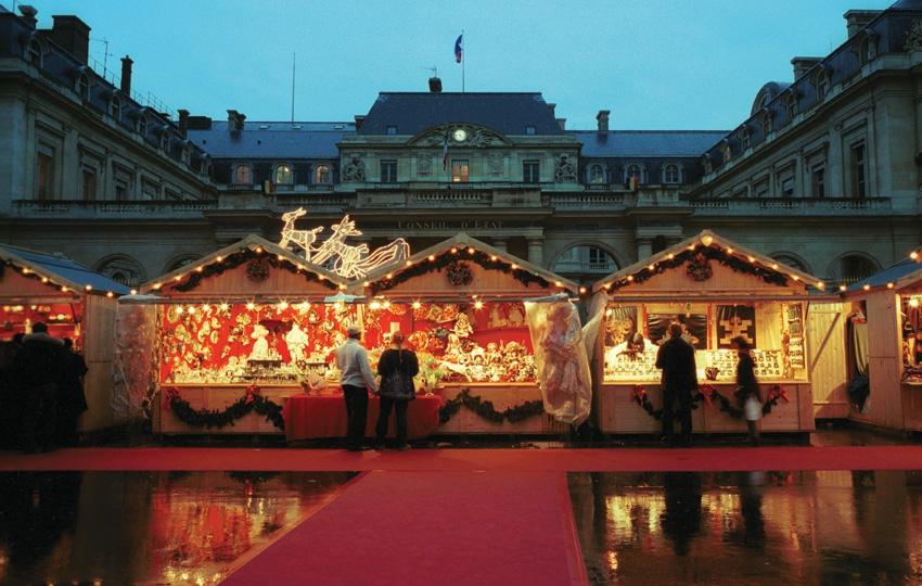 Marché-de-Noël-Place-du-Palais-Royal-|-850x540-|-©-OTCP-Amélie-Dupont-|-114-27.jpg