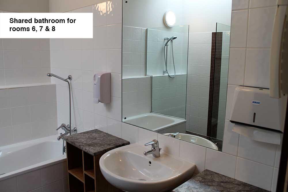 room6_3.jpg