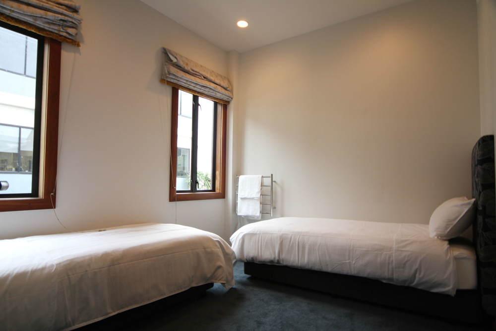 room7_4.JPG