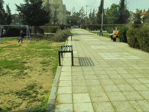 View of the park taken from the southern entrance towards the northern entrance   لقطة للحديقة مأخوذة من المدخل الجنوبي باتجاه المدخل الشمالي