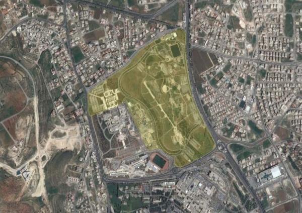 Aerial view showing the location of the King Hussein Park لقطة جوية تبين موقع متنزه الملك حسين