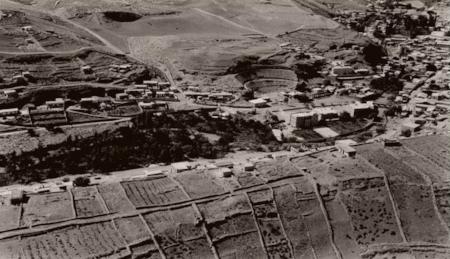 View of the Amman Creek from the Jabal al-Jufa area. .صورة لسيل عمان مأخوذة من منطقة جبل الجوفة