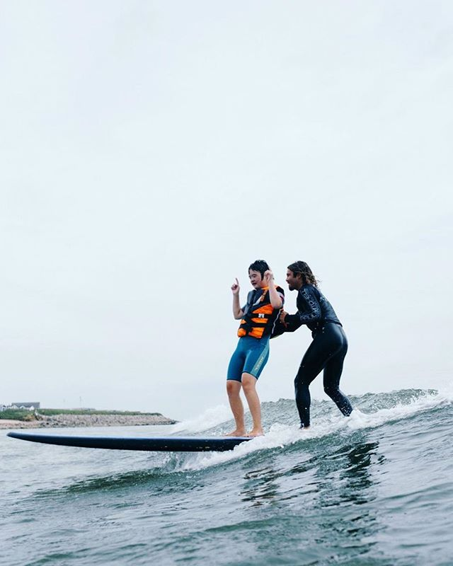 Sharing the ocean's good vibes with Emma and  @awalkonwater in Montauk this past fall. There are too many good memories associated with this event and the people who I have met because of it. #blessed 📸 @mikeydetemple