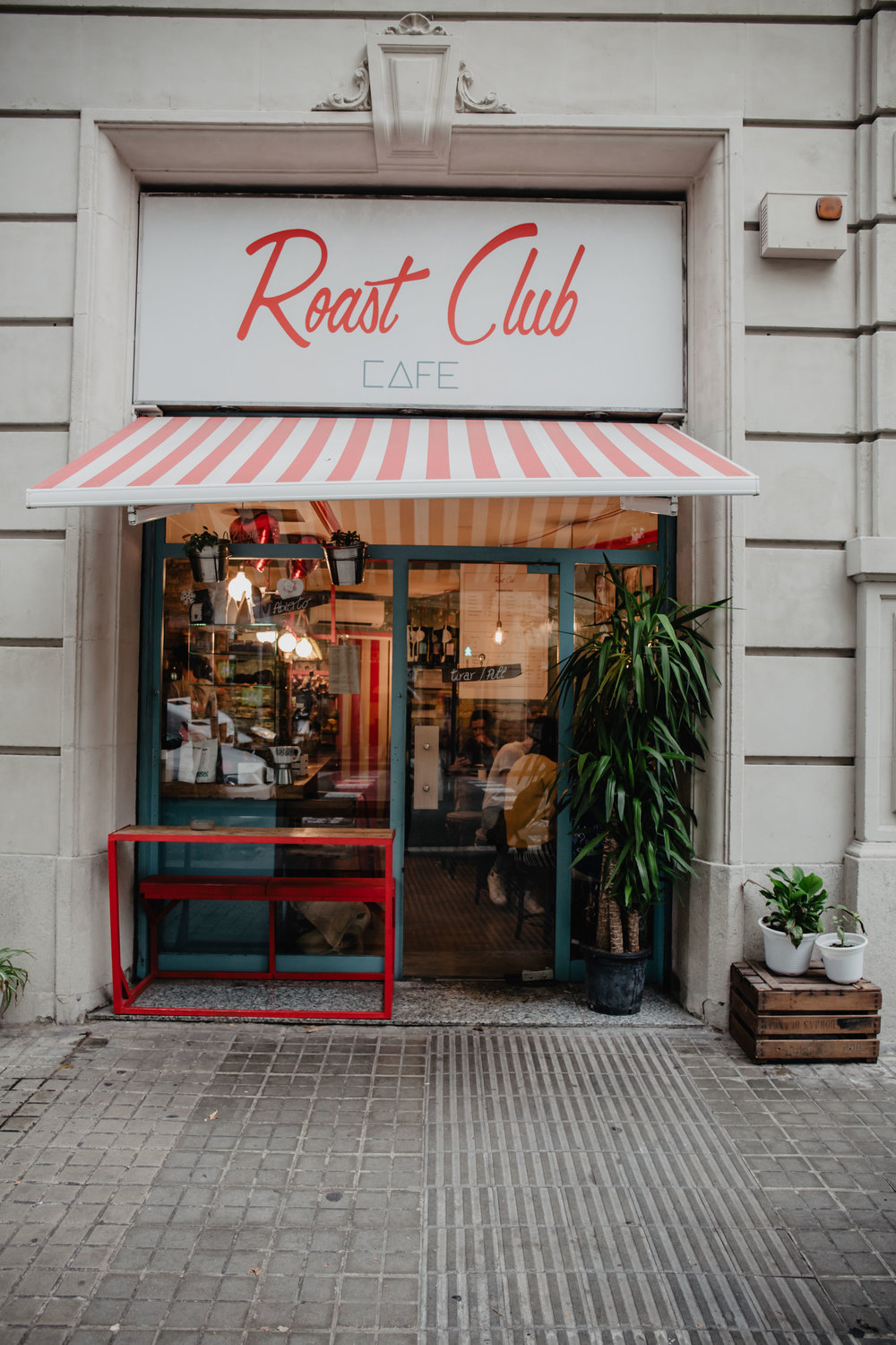 roast club cafe brunch barcelona