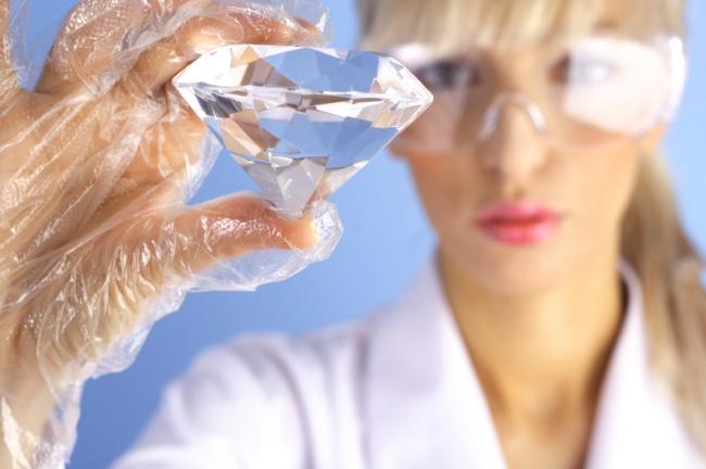 https://americandiamondsjewelry.com/blog/wp-content/uploads/2015/05/Synthetic-diamond.jpg