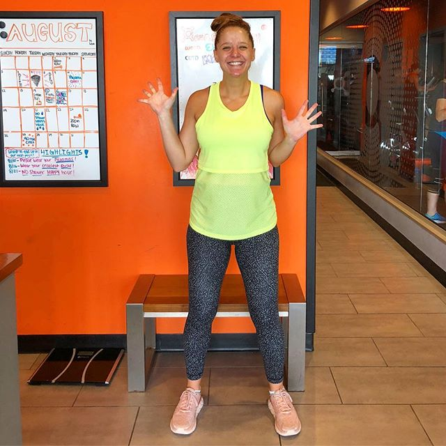 Today I ran my third pregnant timed mile at @orangetheory! I ran my first in February, when I was unknowingly a few days pregnant, in 6:26. I ran my second in May, at 17 weeks pregnant, in 7:32. And today, at 30 weeks pregnant: 7:59. 💪🏼 . #babyontherun #30weekspregnant #fitpregnancy #orangetheoryfitness #keepburning #morelife