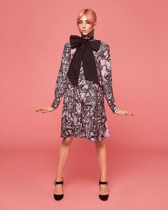 @scarcurtis for @thearcadiaonline 💕✊🏼 -  #MUA @miramakeup  #HAIRSTYLIST @gordon.chapples.hair  #Styling @craighemming _  #CreativeDirection @jayxbest  #Photography @sarahbrownphoto  #fashionphotography #fashion #studio #studiophotography  #portraitphotography #londonphotographer #pixapro #canon #profoto #phaseone #pink #skintexture #simple #dewyskin #scarlettcurtis #feministsdontwearpink #arcadiamagazine @girlupcampaign