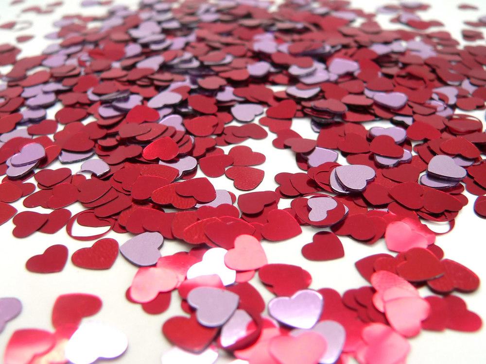 valentine_hearts_-_desktop_backgrounds1.jpg