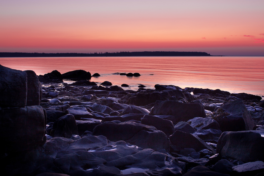 Seawall Sunrise 1084
