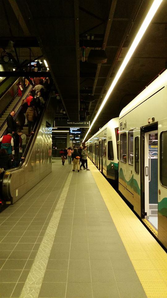 Link Light Rail University of Washington station
