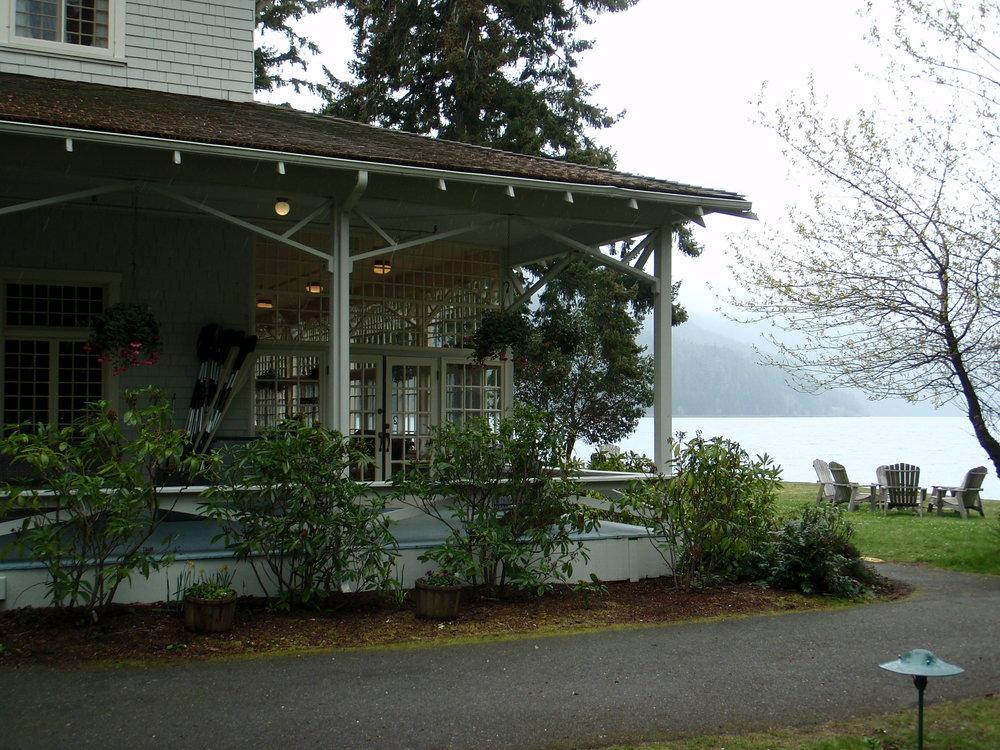 Crescent Lake Lodge