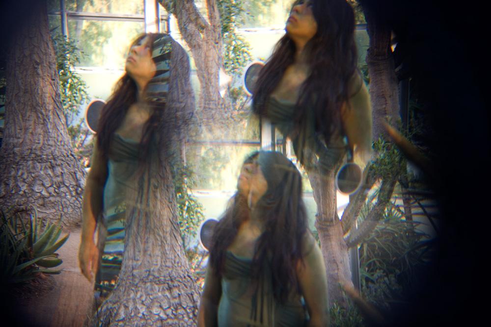 Kaleidoscopic peephole