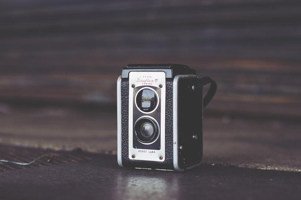 camera-690285_1280.jpg