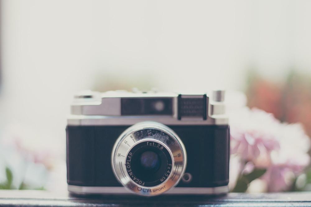 camera-828729_1920.jpg