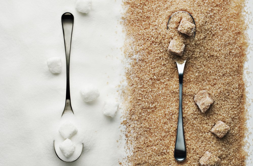 Brown-vs-White-Sugar-1.jpg