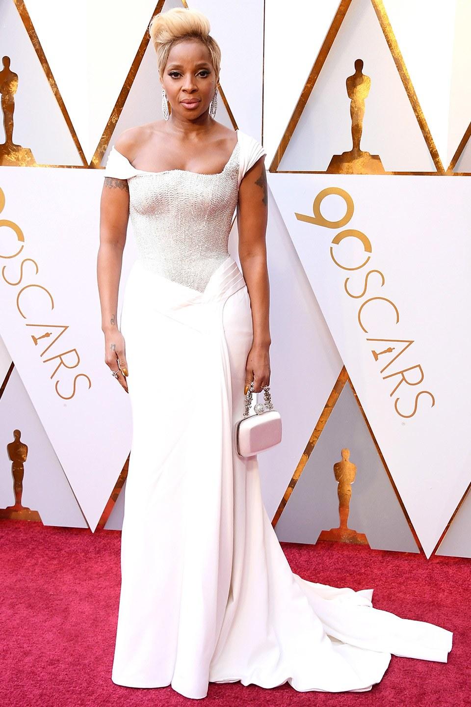 Mary J Blige wearing Atelier Versace