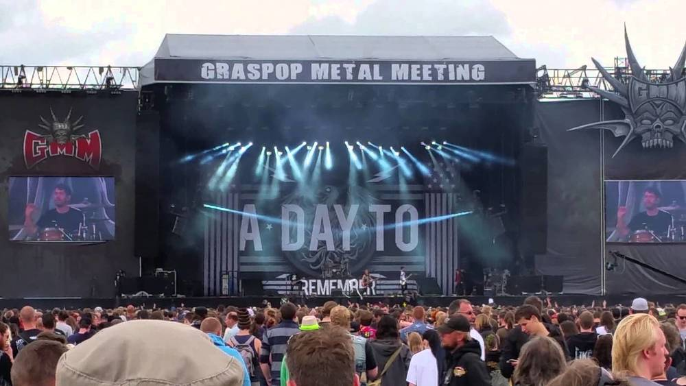 "Custom Staging used worldwide for various tours and festivals like ""Download"" Festival (90,000 people)"