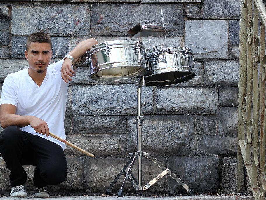 Christian Noguera - Latin American Drumming Experience