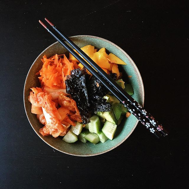 """Barley vegetarian """"sushi"""" bowl with mango, avocado, grated carrot, cucumber, kimchi, and dried seaweed. #feedfeed #foodstagram #food52 #f52grams #lifeandthyme #vegetarian #mywonbowl"""
