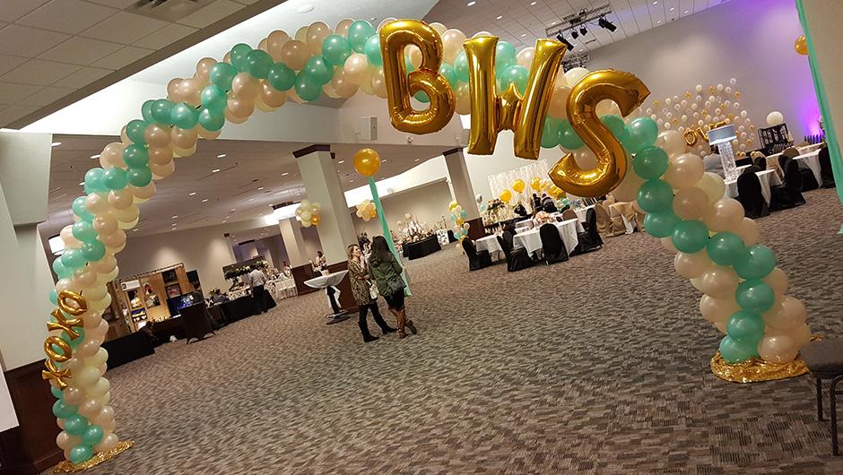 Glitz & Go  balloon arch