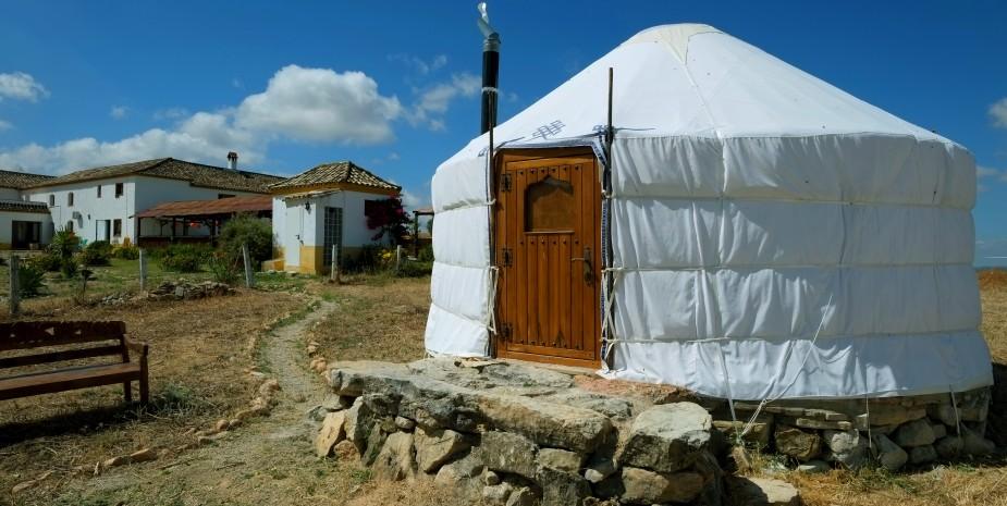 Yurt-front-side-925x465.jpg