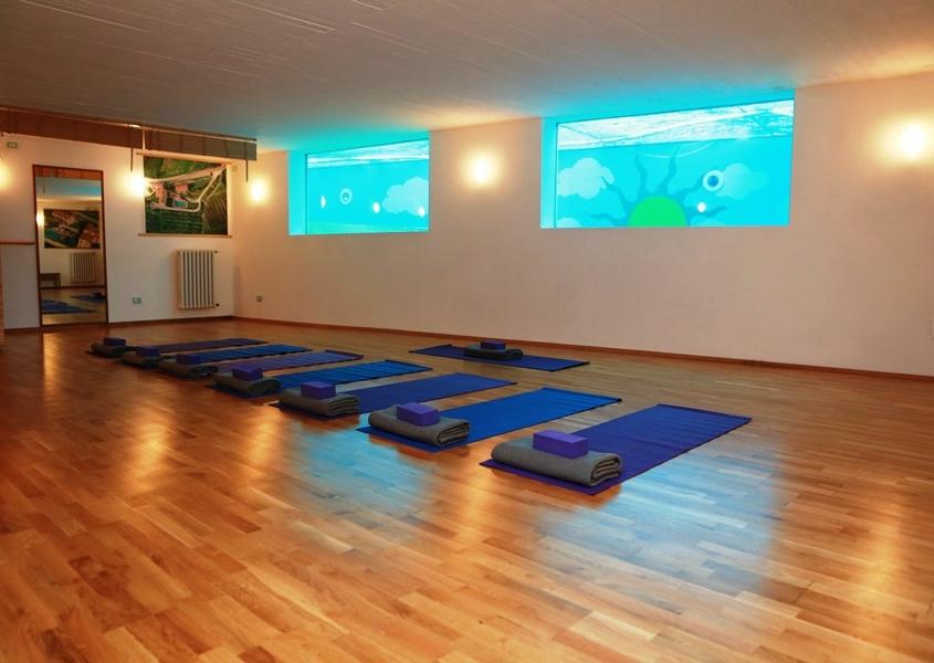 Yoga-Room-900-x-600-845x600.jpg