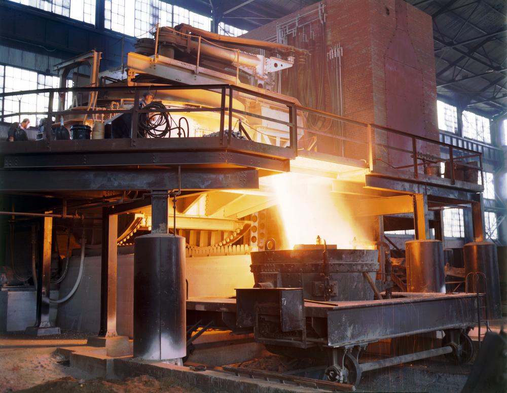 Allegheny_Ludlum_steel_furnace.jpg