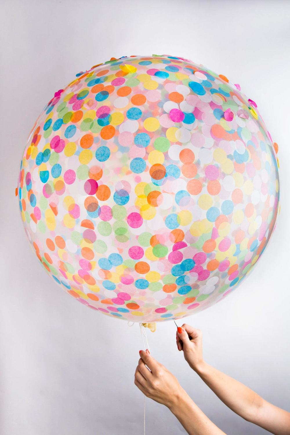 confetti-balloon-from-knot-and-bow-featured-on-Little-Big-Bell1.jpg