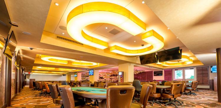 Hialeah Casino_Custom Horseshoe Pendants_HialeahFL.png