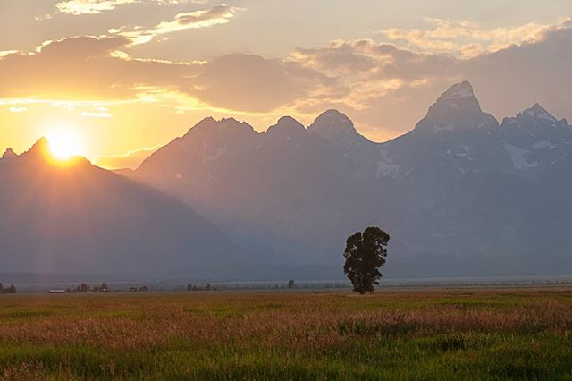 Almost done . . . . . .  #skyporn #sunsetsniper #skylovers #sunrise_and_sunsets #sunsets #sunset_hub #sunsetlovers #instasunsets #all_sunsets #naturephoto #main_vision #landscape_captures #awesome_earthpix #natureaddict #rsa_rural #awesomeearth #nature_wizards #gottalove_a_ #allnatureshots #instanaturelover #wyoming #tetons #yellowstone #grandtetons #jacksonhole #grandtetonnationalpark #fujifeed #myfujifilm #fujixclub #fujiframez
