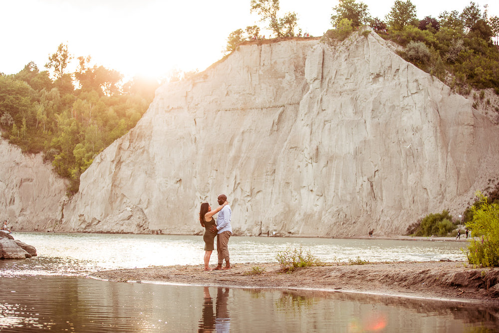 Scarborough-Bluffs-Maternity-Engagement-Shoot-0021.jpg