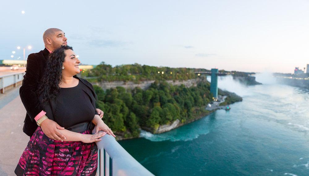 Niagara-Falls-Ontario-Engagment-Photos-0038.jpg