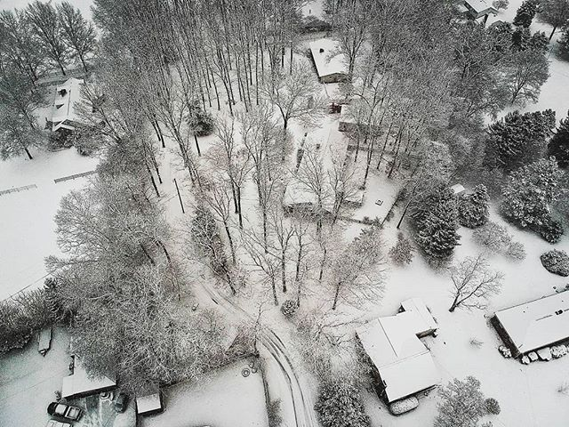 Winter backyard . . . #snowplacelikeyork #photooftheday #dji #dayanjimenez #photographers #photographerslife #originalphotographer #yorkpa #yorkpennsylvania #polarvortex2019 #snow #winter2019