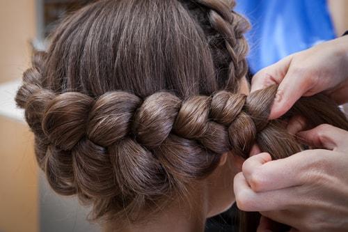 Плетение косы тверь