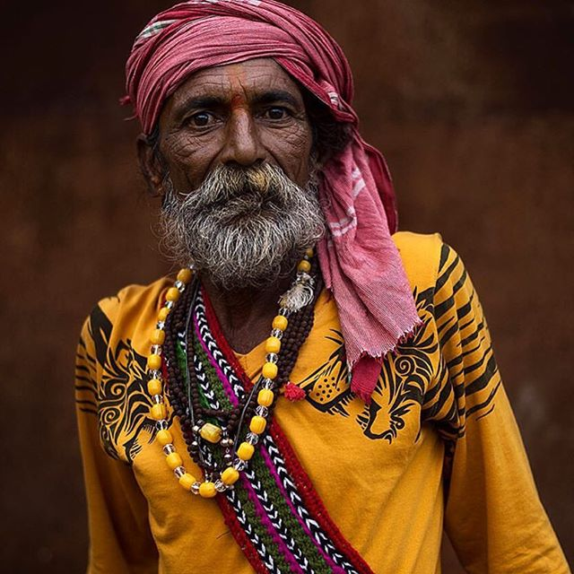 Inspiration for the day .. I love the colors and the the whole global feel ❤️ no age , timeless @mattia_passarini 📸 #figuelove #artinspires #photography #travelincolor