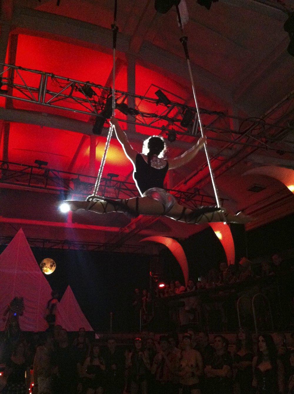 A Cirquantique performance at Bain Mathieu, 2014. Photograph by Sunita Nigam