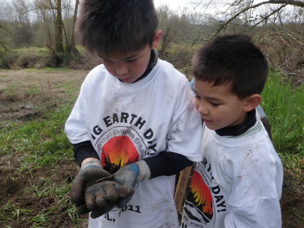 Harris Creek Earth Day REIKCD 4-16-2011 022.jpg