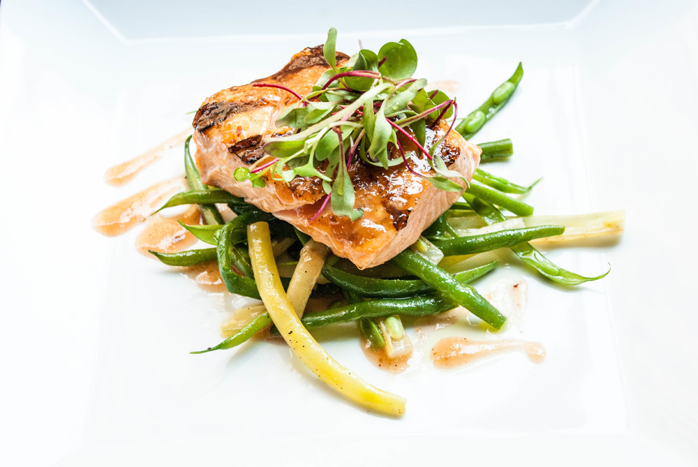 Salmon Filet on Green Beens
