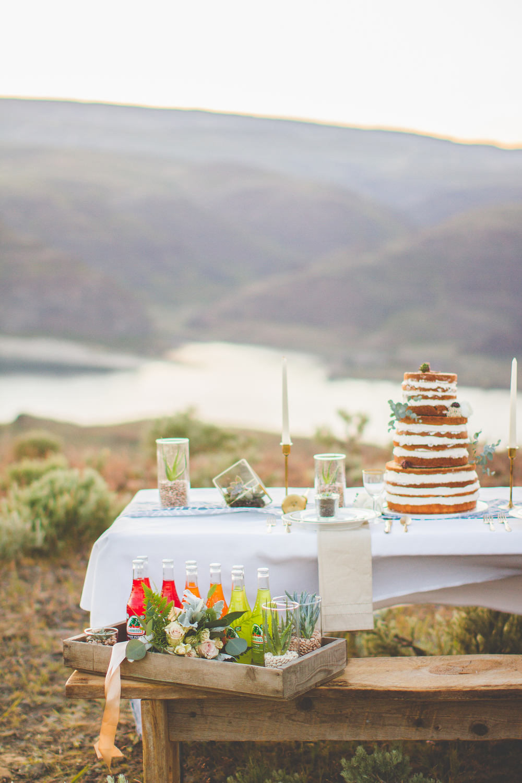 Wedding coordinator, planner, photographer. Seattle, Wenatchee, Tacoma, Washington, Oregon, PNW, HRJ events, Simple Light Photography.