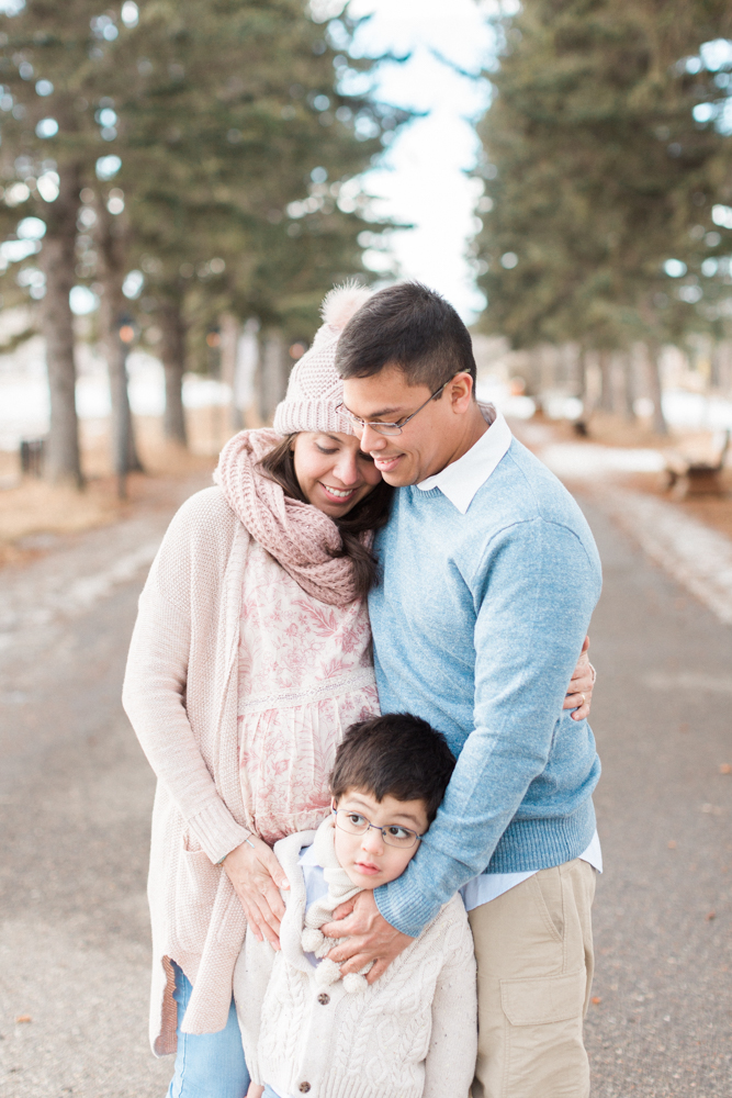 calgary-maternity-family-photography-fish-creek-park-maternity-11.jpg