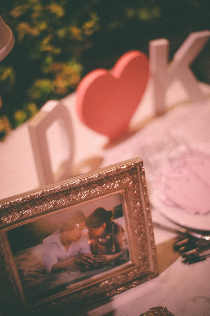 san   diego wedding photographer | picture frame with bride and groom's picture   inside