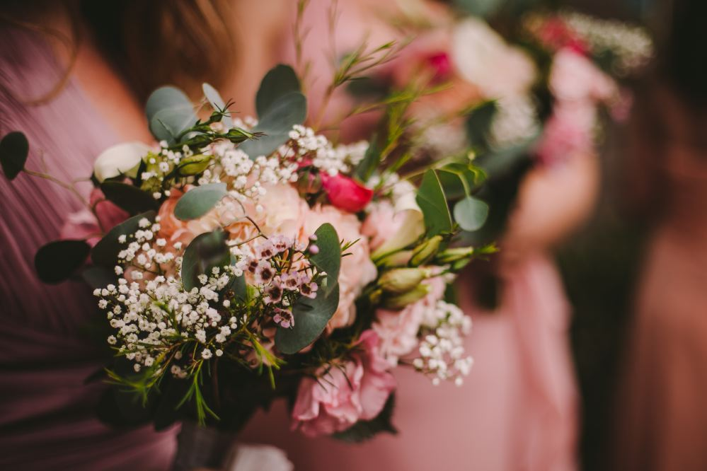 san   diego wedding photographer | lineup of bouquets held by bridesmaids